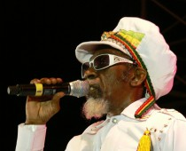 Prvým headlinerom Uprisingu 2015 je Bunny Wailer, posledný žijúci člen legendárnych The Wailers
