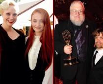 Pozri sa ako vyzerali hviezdy seriálu Game of  Thrones na odovzdávaní cien Emmy 2015!