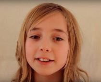 VIDEO: Otec filmoval svoju dcéru každý týždeň neuveriteľných 16 rokov