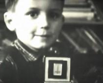 Prezident Andrej Kiska zverejnil unikátne vianočné zábery z detstva!
