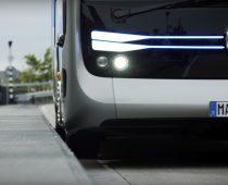 VIDEO: Mercedes predstavil prvý autobus, ktorý nepotrebuje šoféra