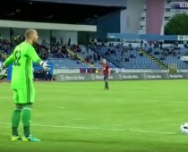 VIDEO: Brankár Mucha fanúšikovi odkazuje: Drž tam pi**