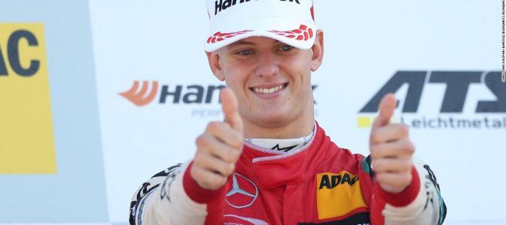 Mladý Schumacher nezostáva povesti svojho otca nič dlžný