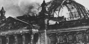 27.február 1933: Reichstag horí!