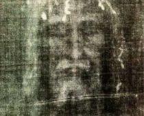 Turínske plátno: Ježišov rubáš alebo falzifikát?