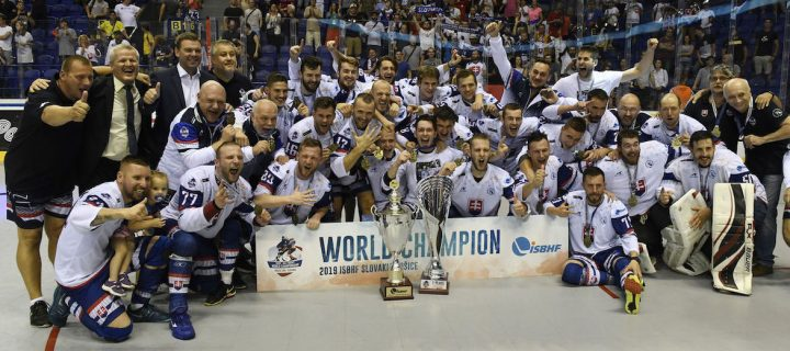 Slovenskí hokejbalisti sa stali majstrami sveta