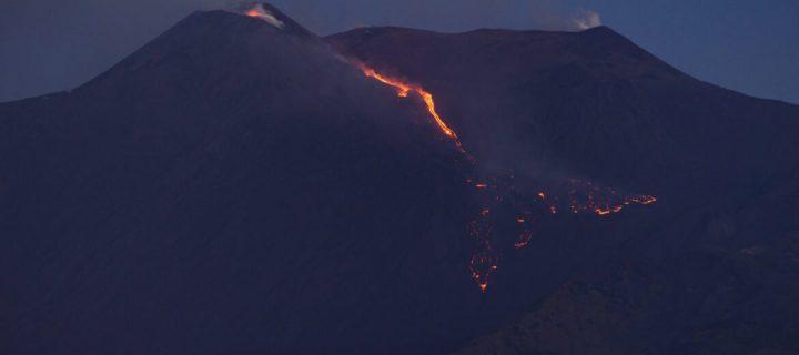 Na Sicílii vybuchla sopka Etna