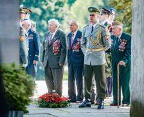 Vojenská prehliadka k 75. výročiu SNP v Banskej Bystrici