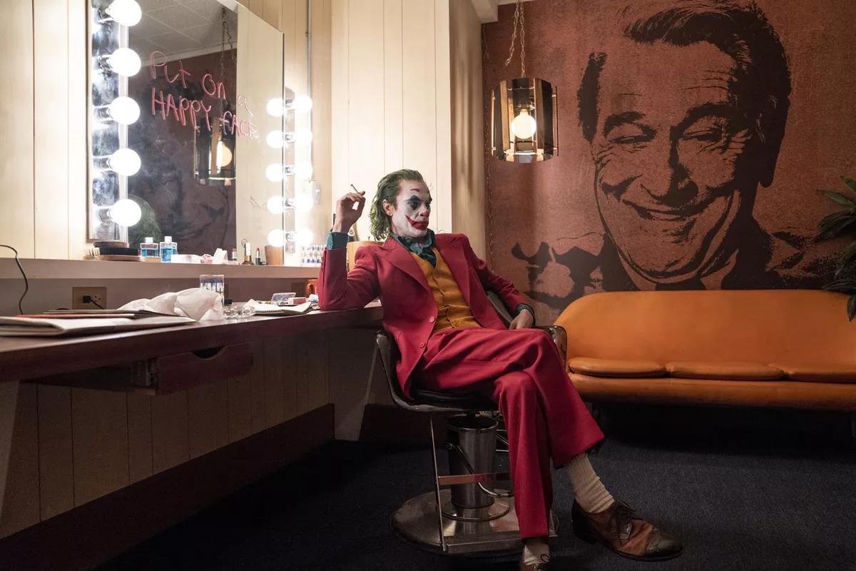 Joker a v pozadí Robert de Niro