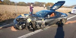 Havária luxusného Ferrari na R1
