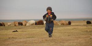 Kirgizsko: Život v jurte, tradičný kumys a gigantické pohoria