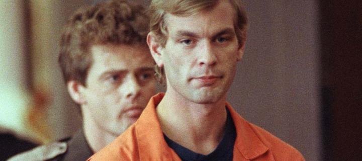 Hlavy živých obetí rozvŕtal a plnil kyselinou: Príbeh kanibala z Milwaukee