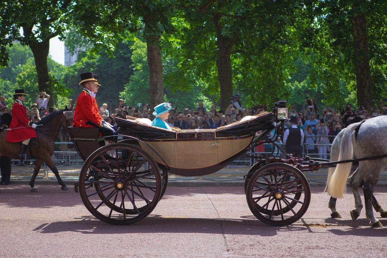 Predpovede na rok 2020 a kráľovná Alžbeta II