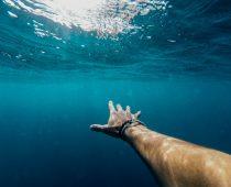 Skvostný úlovok na dne mora: 900 fliaš koňaku