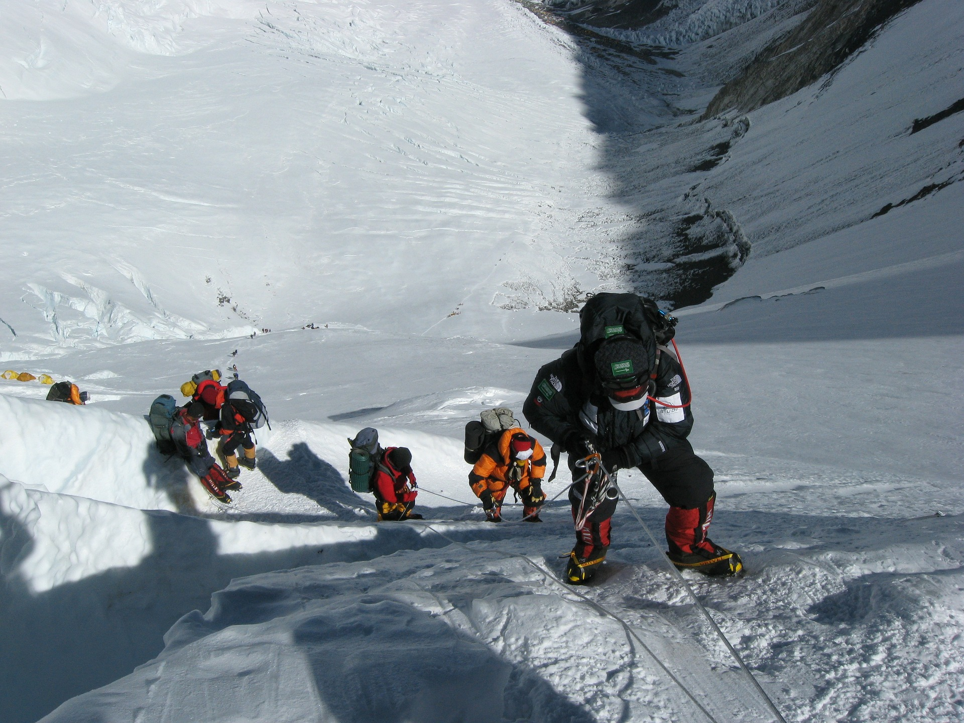 Mount Everest a mŕtve telá