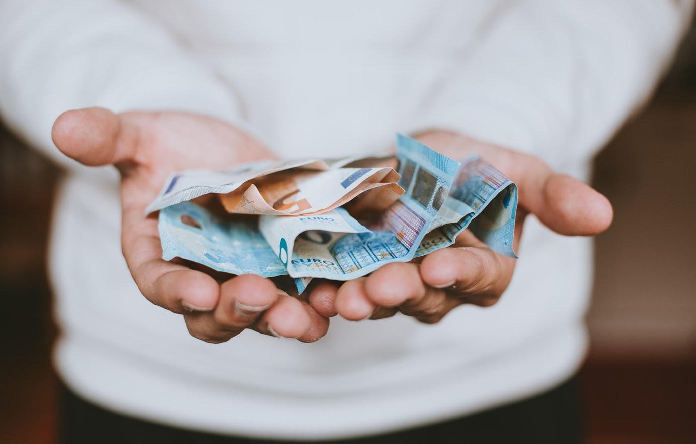peniaze, zisk, výnos