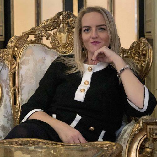 Mgr. Veronika Škutová