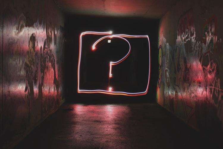 jednoduché otázky náročné odpovede