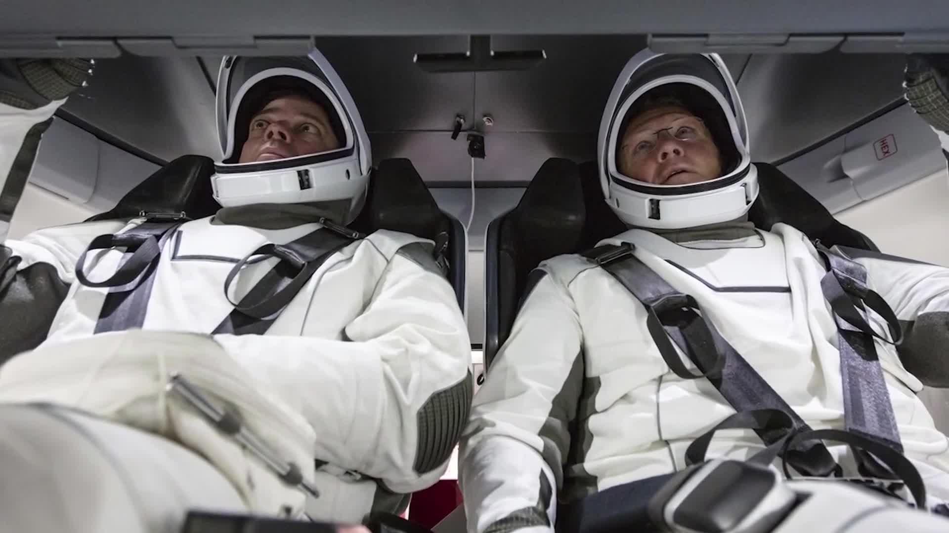 Crew Dragon - Bob Behnken a Dough Hurley
